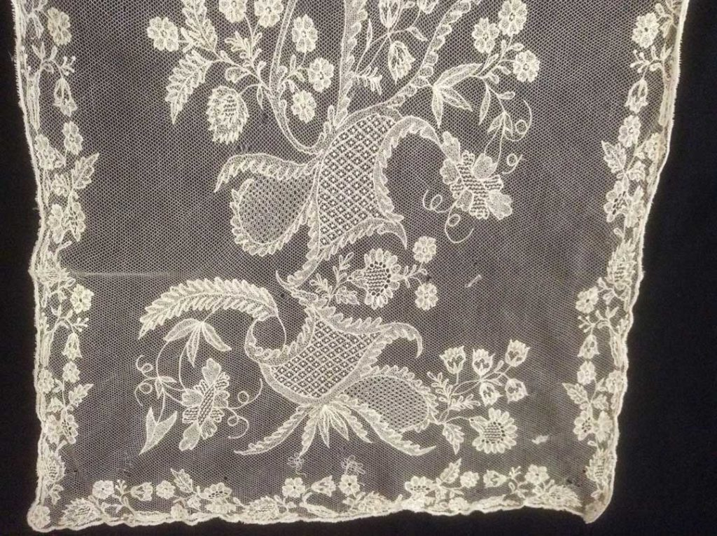 Limerick Lace White Scarf