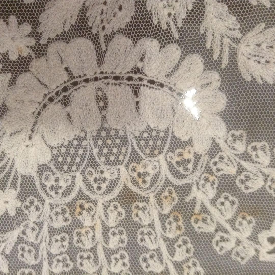 1988.0141 Limerick Lace Silk Stole