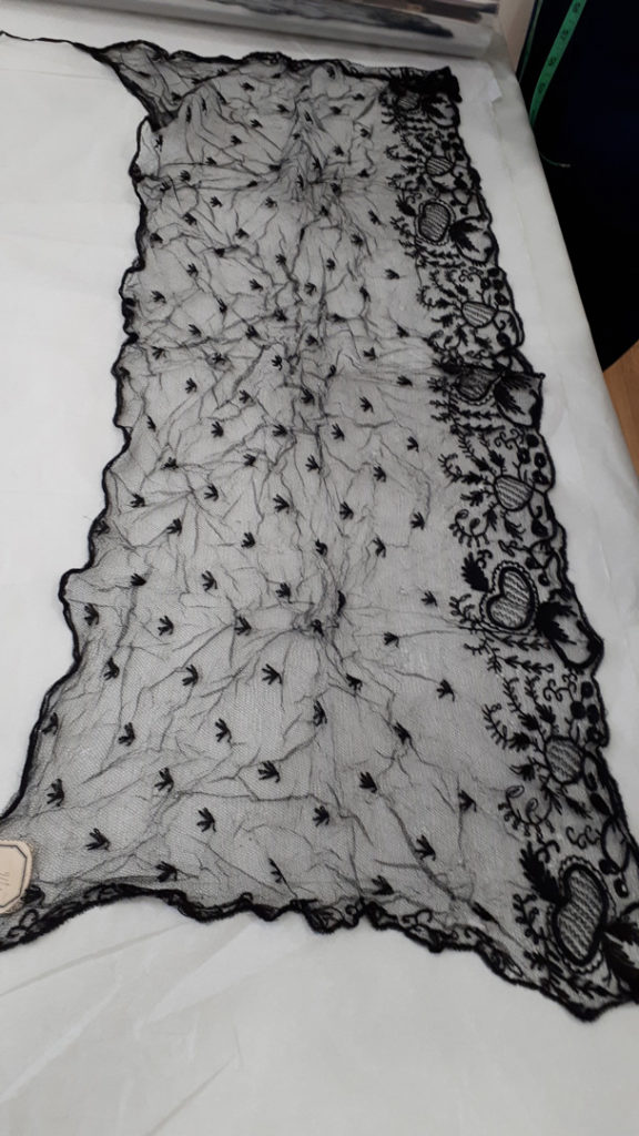 1989.0116_Limerick_Lace Black veil – with tie on