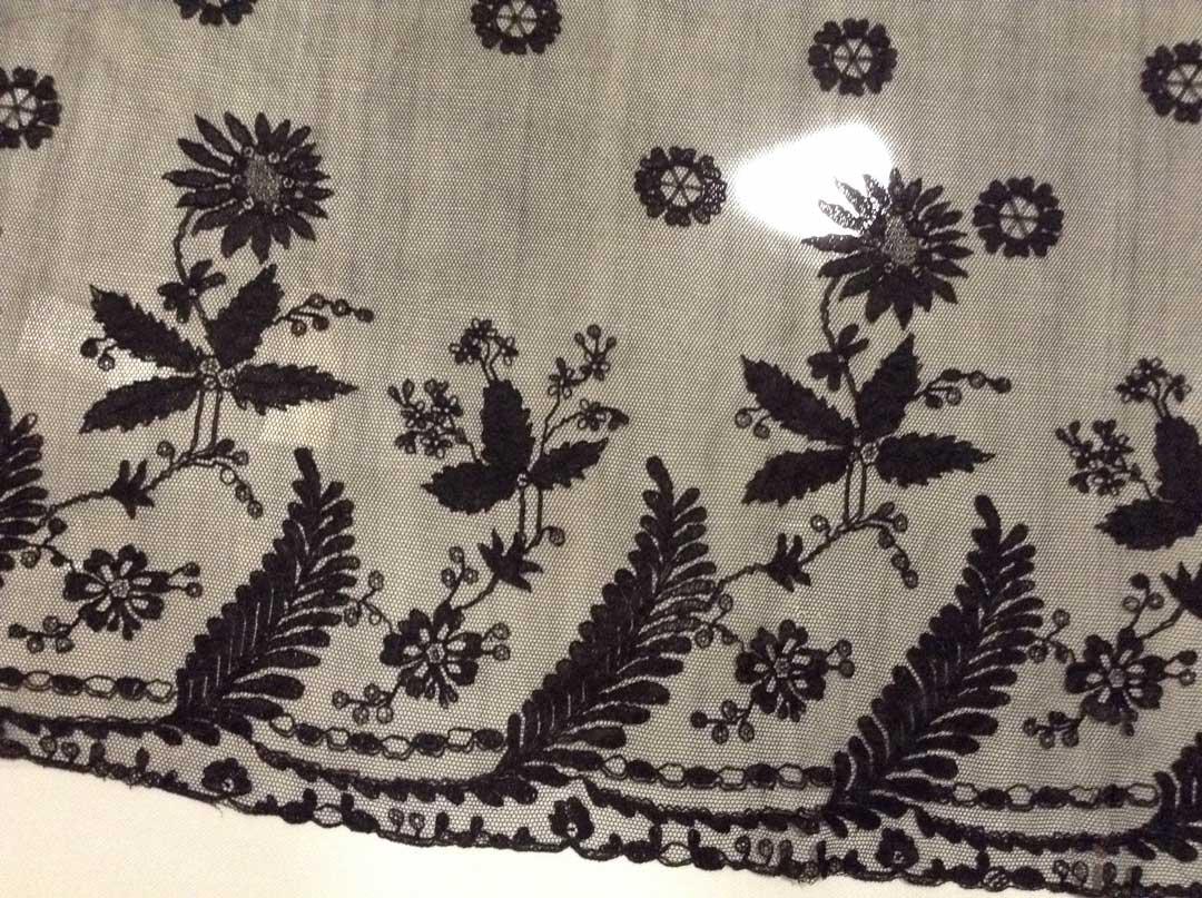 1989.0208 Black Flounce Limerick Lace