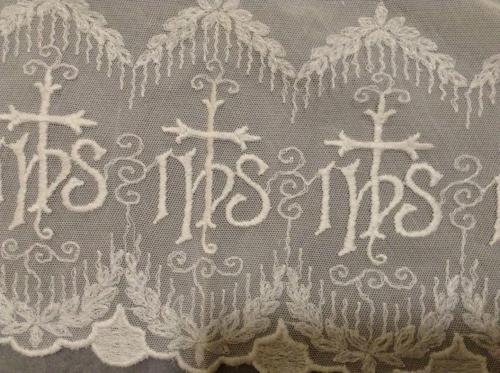 Altar Fringe 2001.0612