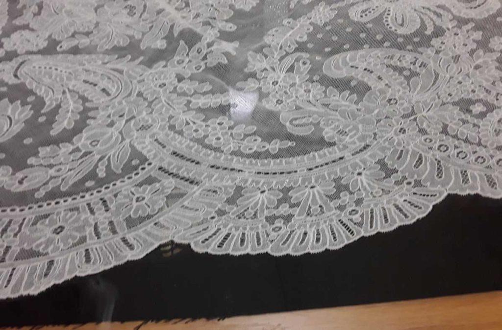 Triangular lace shawl